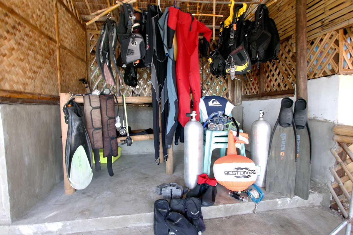 Island_divers_caluya_dive_shop_2_MG_7514