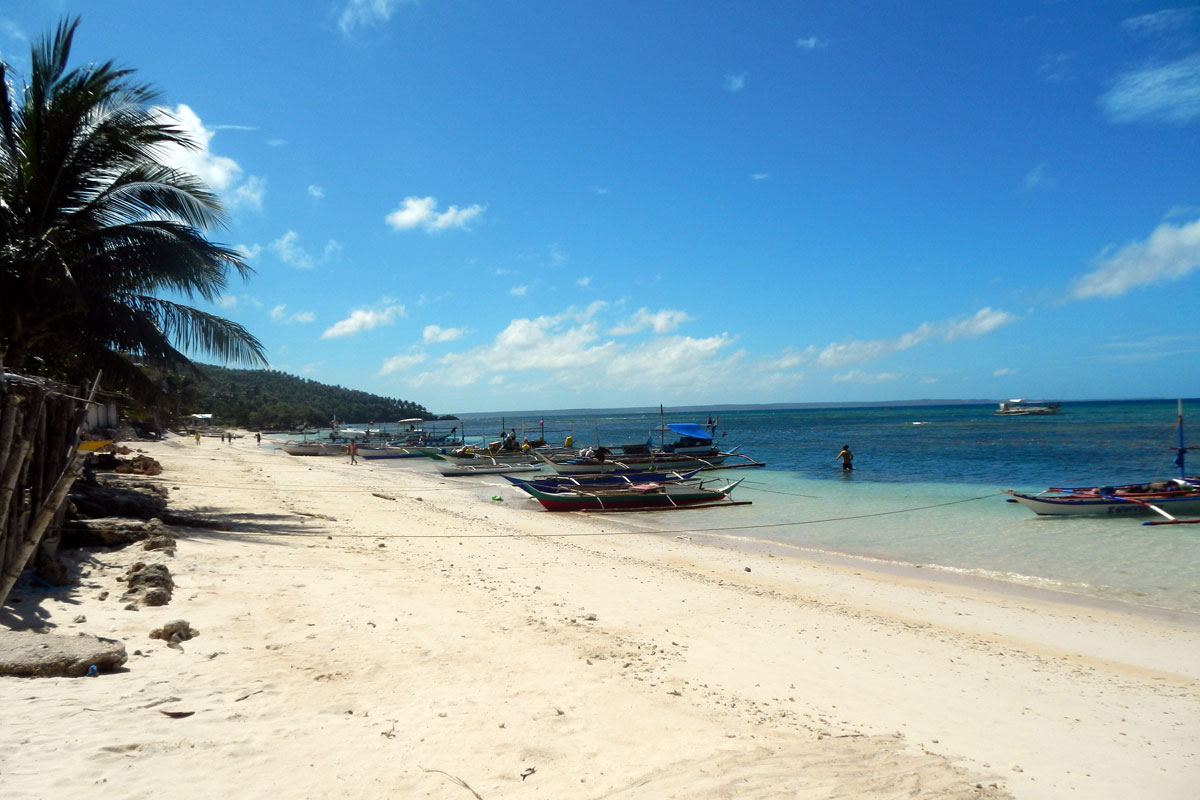 Island_divers_caluya_publacion_beach_DSCN1075