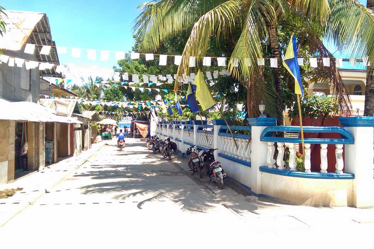 Island_divers_caluya_publacion_main_street_IMAG1840