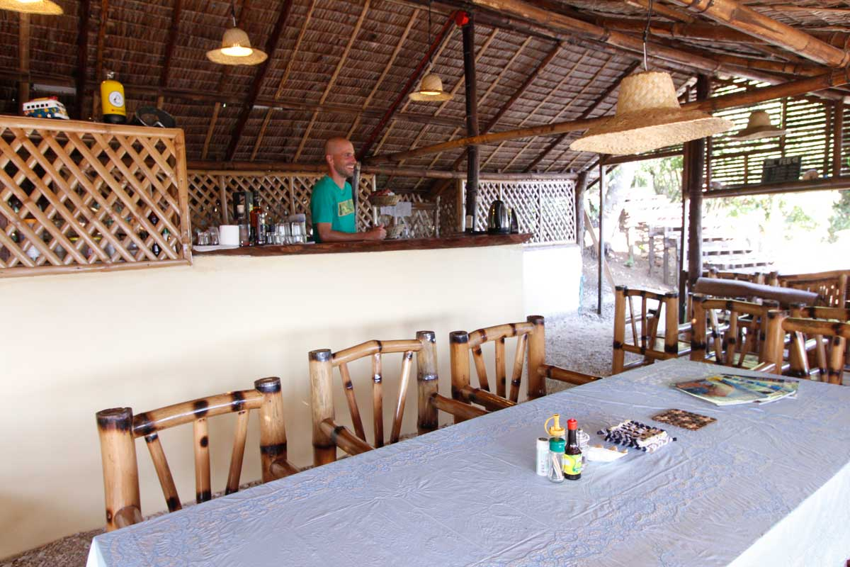 Island_divers_caluya_resort_bar_MG_7554