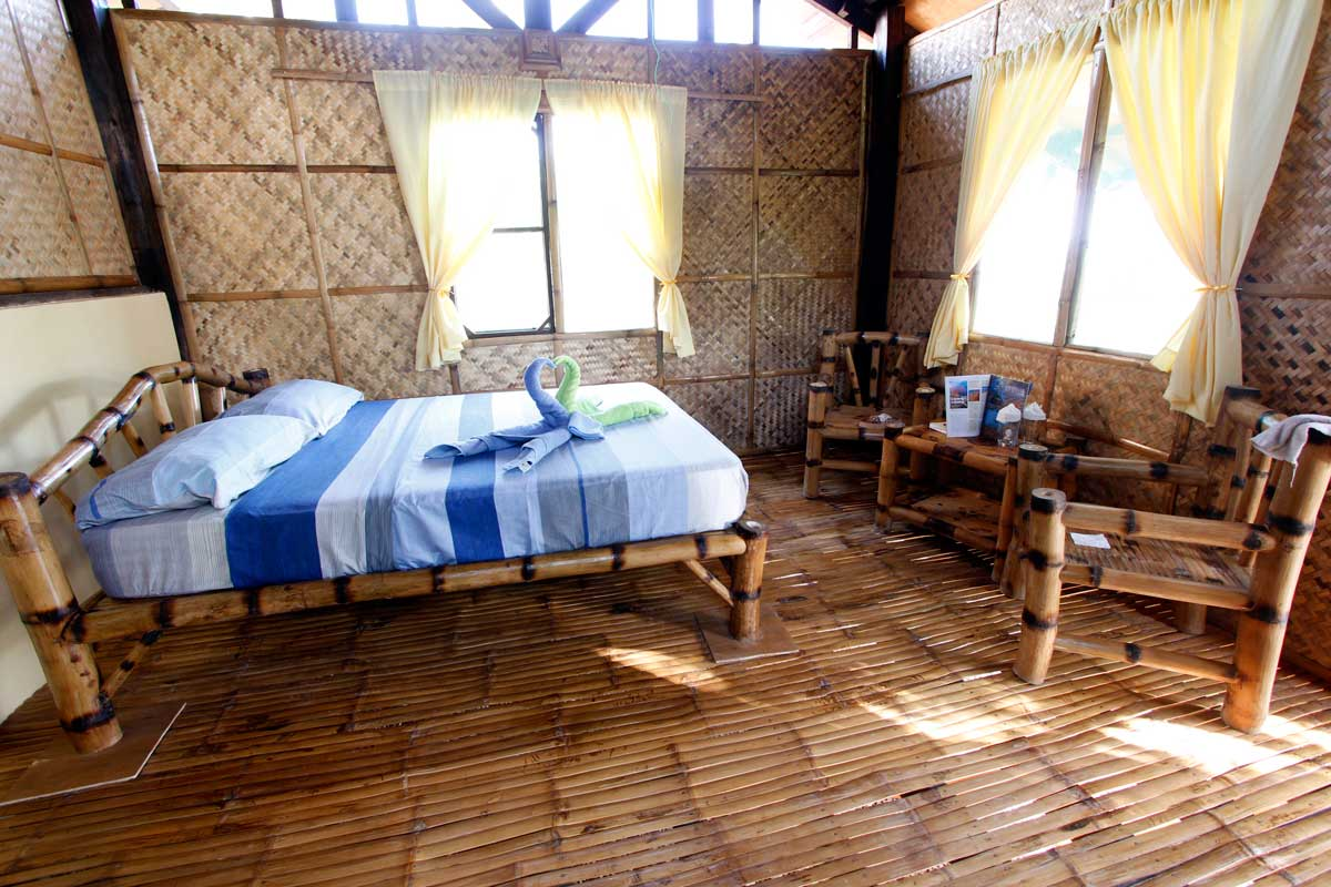 Island_divers_caluya_resort_bungalow_inside_MG_7583