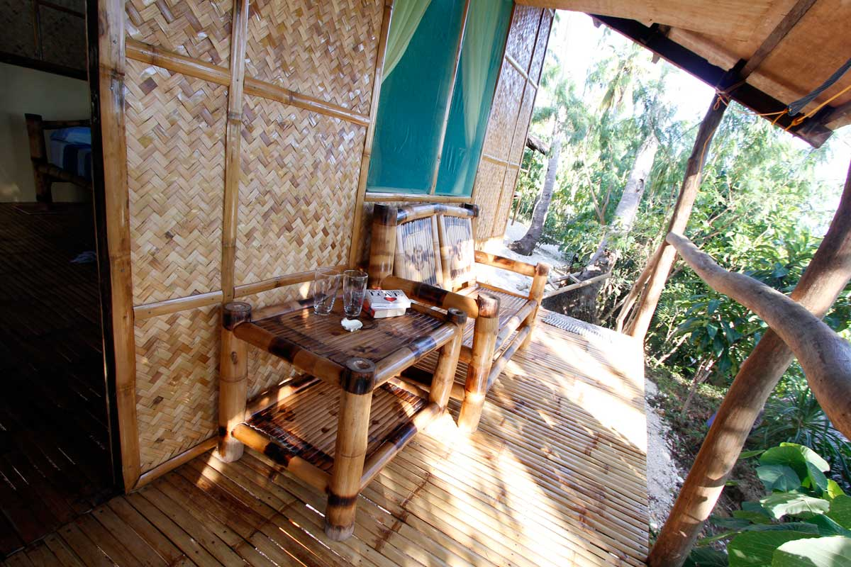 Island_divers_caluya_resort_bungalow_porchtable_MG_7605