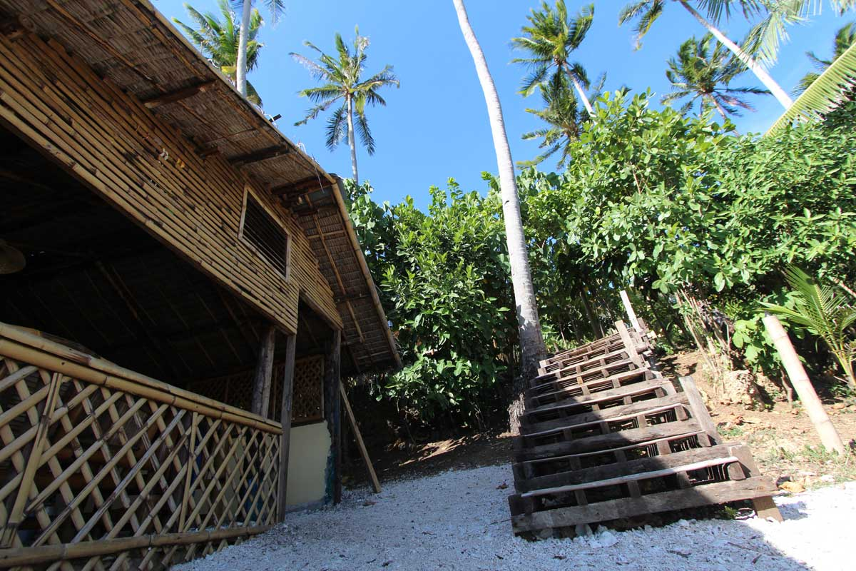 Island_divers_caluya_resort_stairs_IMG_7485